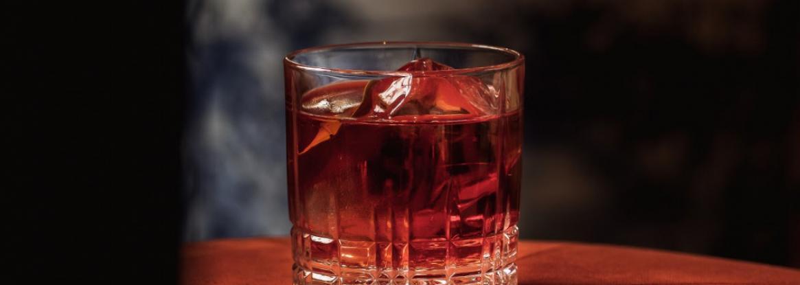 Voyagez à travers les cocktails du Bar 1802